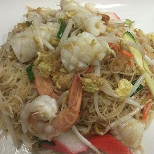 171 Spaghetti di riso con frutti di mare